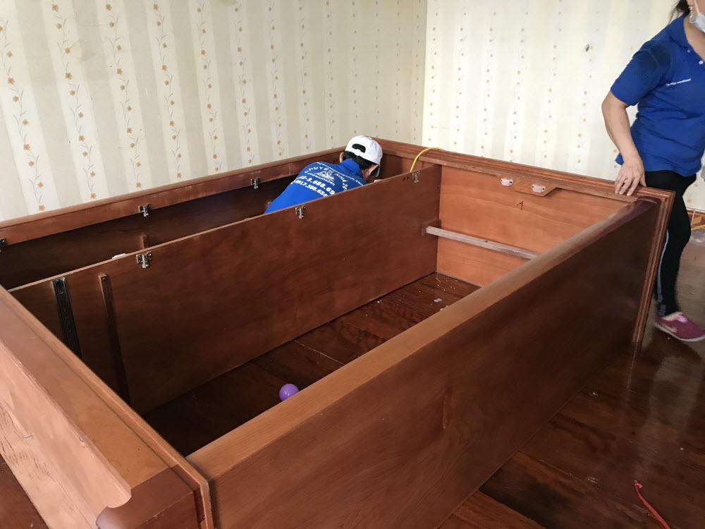 Dịch vụ tháo lắp giường tủ tại nhà Hạ Long 1